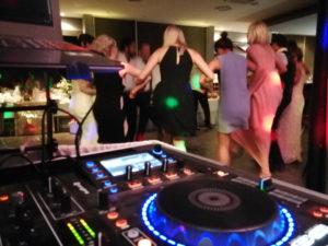 Moskau von Dschinges Khan und Sirtaki sind Tänze bei denen die tanzfläche immer voll ist, wenn Partydj Hannes diese spielt